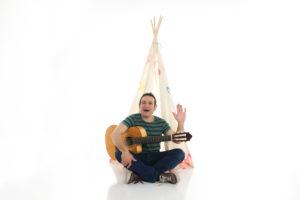 Estrenem 'Superbaby', primer videoclip del nou disc de Carlitos Miñarro